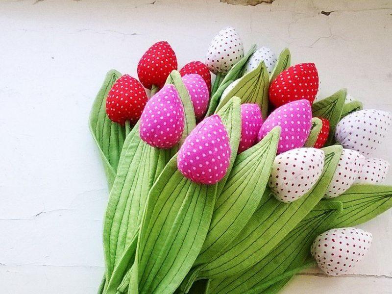 Цветы своими руками из подручных материалов: примеры на фото