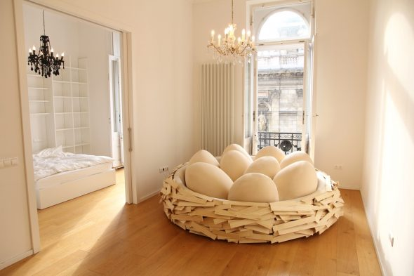 Кровать в форме гнезда