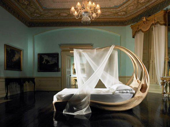 кровать в абстрактном стиле