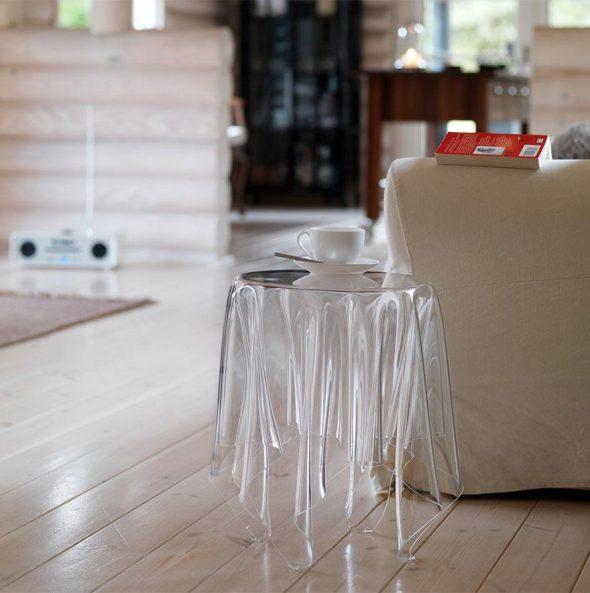 стол-призрак