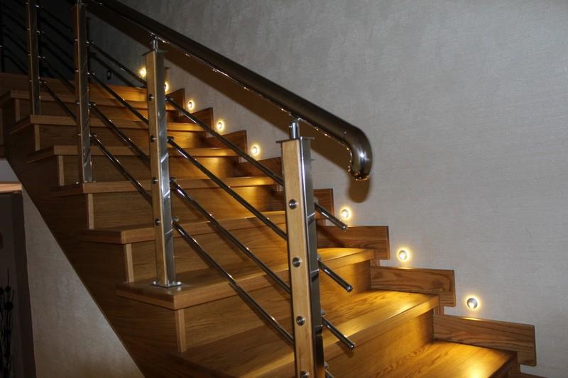 Освещение лестниц — создаём неповторимый интерьер