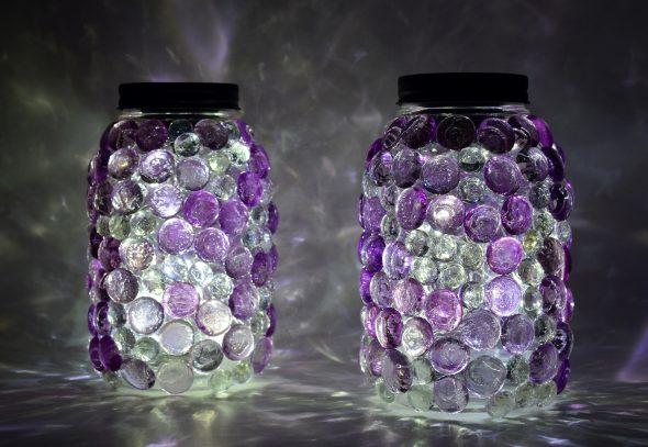 Подсвечник с декоративными камнями