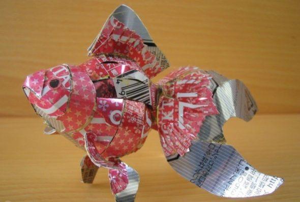 Рыбка из жестяной банки