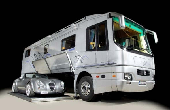 Volkner Mobil Performance Bus