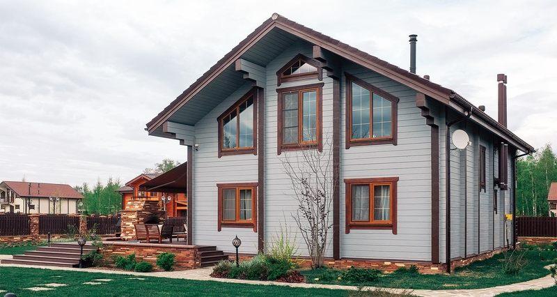 Дайте краске второй шанс: как красиво покрасить деревянный дом снаружи