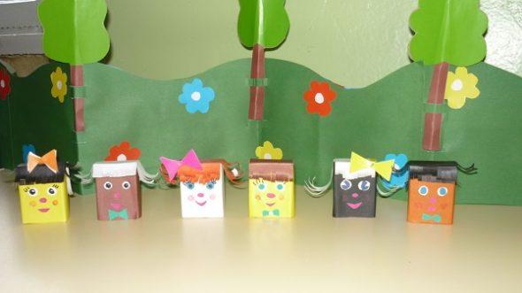 Сказочные персонажи из коробков