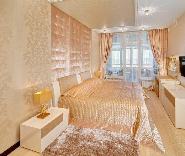 Спальня в бежевом и персиковом цвете