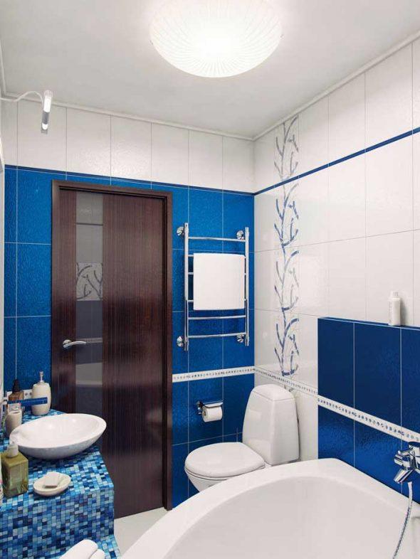 Основное центральное освещение в ванной