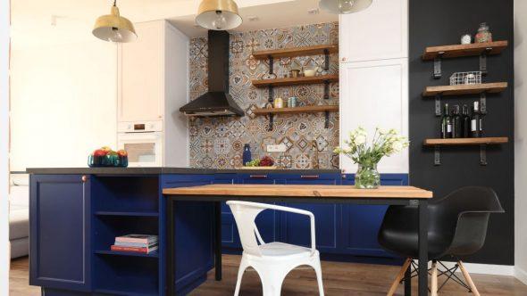 Индиго в интерьере кухни