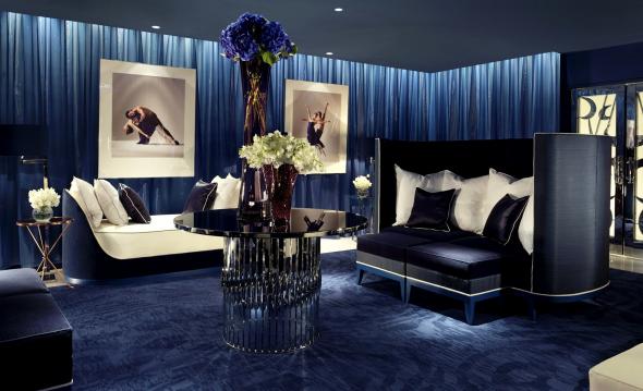 Дизайн гостиной в цвете индиго