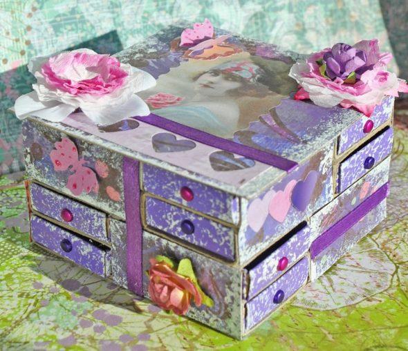 Оригинальная шкатулка из спичечных коробков