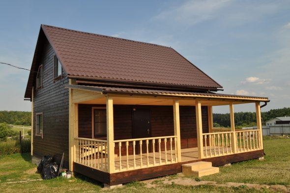 Новая пристроенная терасса для деревянного дома