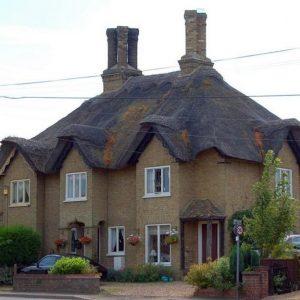 Соломенная крыша в английском стиле