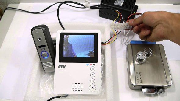 Проводной видеодомофон