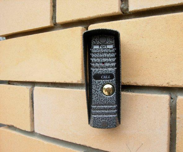 Установка вызывной панели видеодомофона