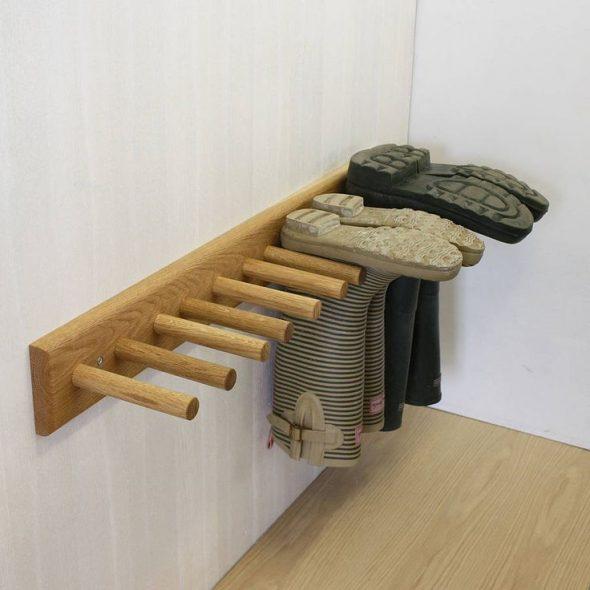 Деревянный держатель для резиновых сапог
