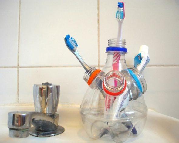 Подставка для зубных щёток из пластиковых бутылок