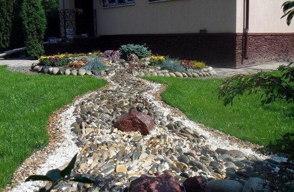 сухой ручей в ландшафтном дизайне