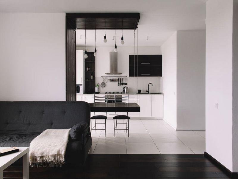Дизайн квартиры-студии в чёрно-белых тонах: фото