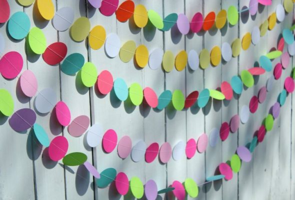 гирлянда из бумаги для декора комнаты