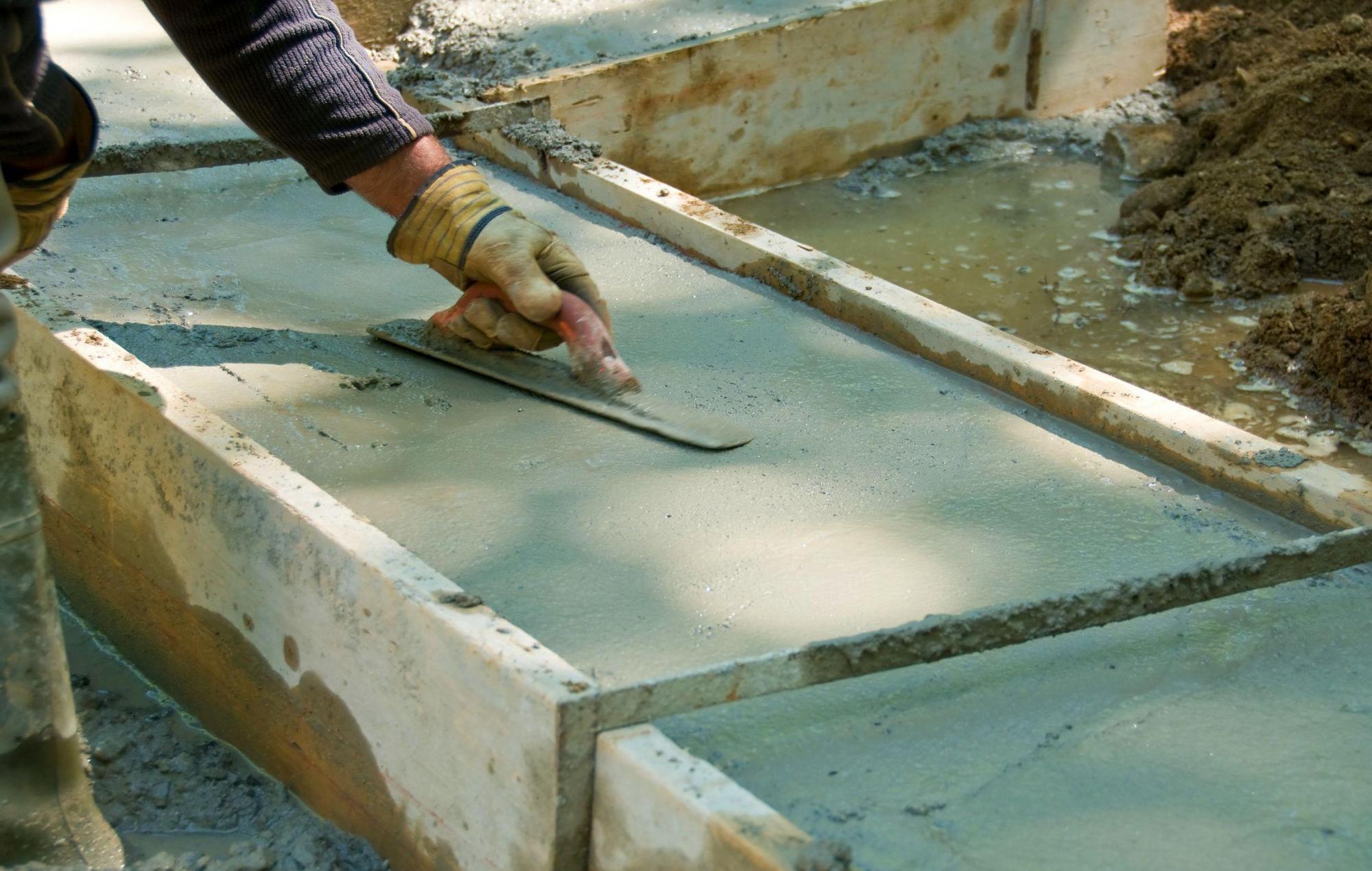 можно ли заливать чистый цемент