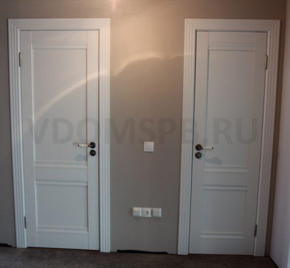 Белые царговые двери с резным наличником