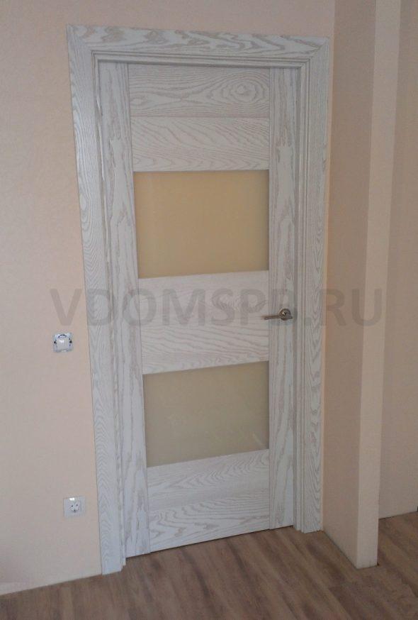 Сборная дверь в цвете белый ясень