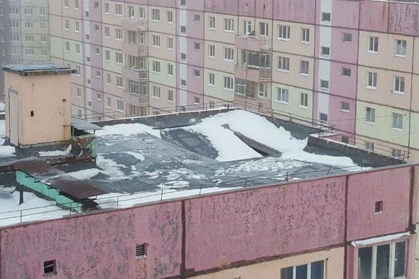 Повреждение крыши дома