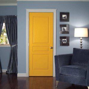 Яично-жёлтая дверь