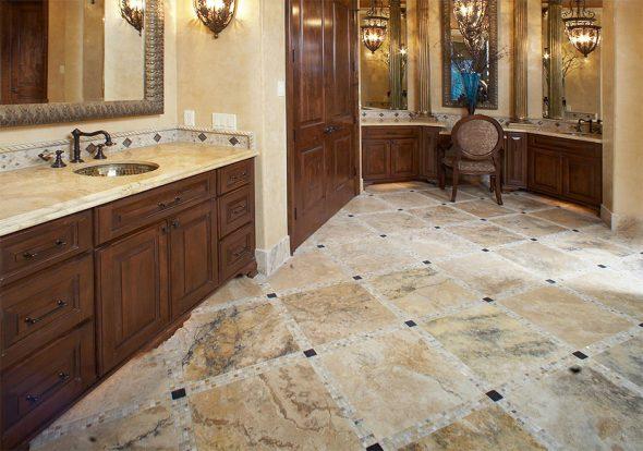 Каменный пол в ванной комнате