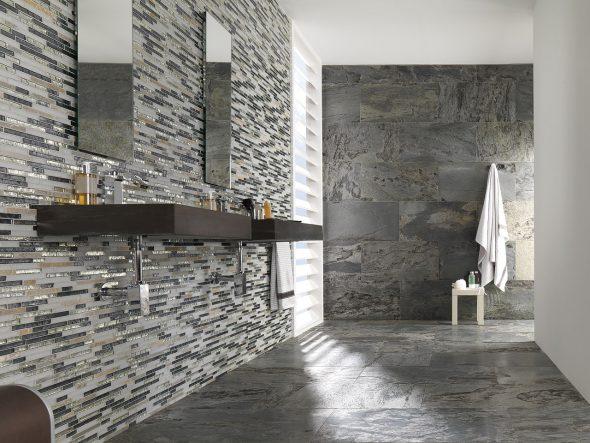 Серый камень в интерьере ванной комнаты