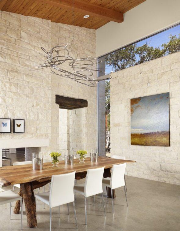 Светлый камень в интерьере дома