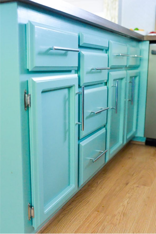 Голубые кухонные фасады
