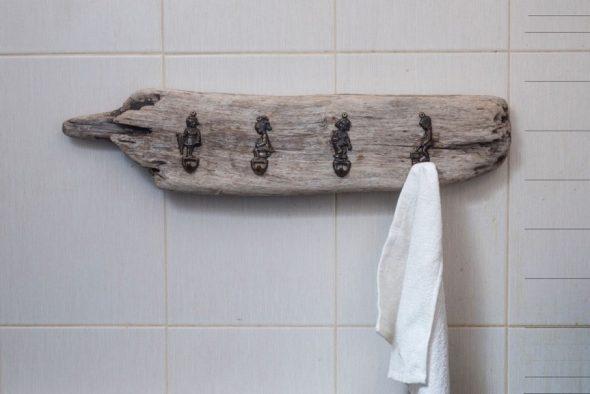 Вешалка своими руками из доски