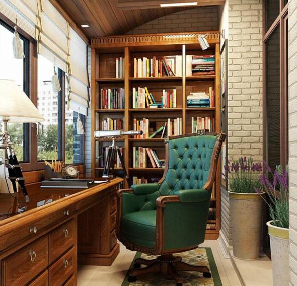 Кабинет с книжным шкафом на лоджии