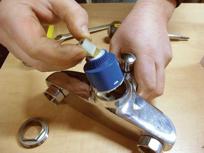 Как заменить картридж в смесителе: подробная инструкция
