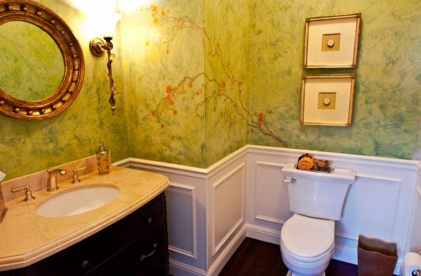 Красивая роспись стен в ванной комнате