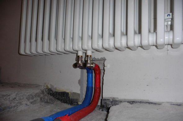 Подключение труб отопления к радиатору