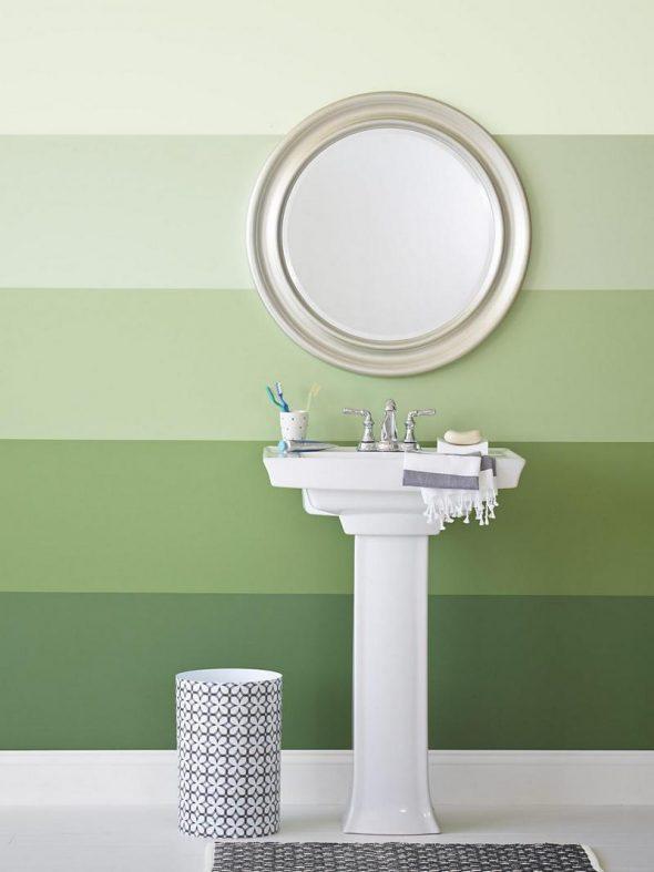 Красивый градиент краски на стенах в ванной комнате