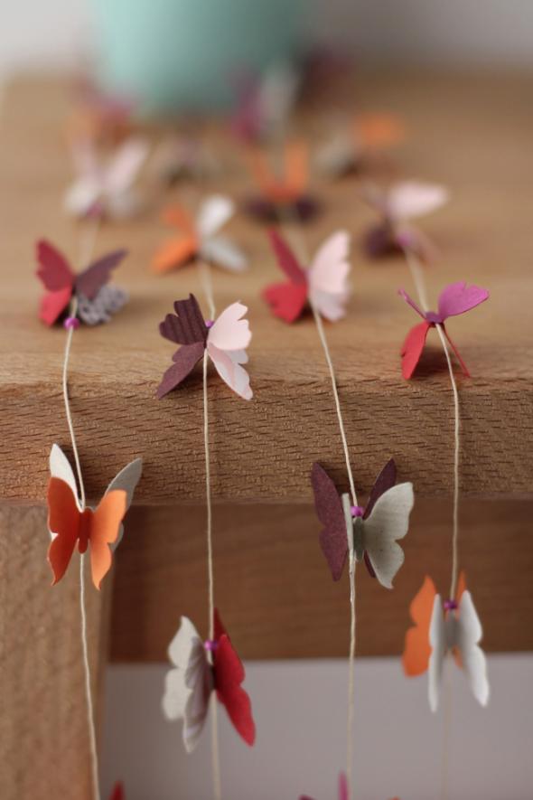 Гирлянды из бабочек