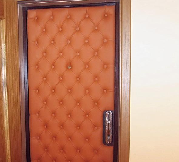 Входная дверь с обшивкой