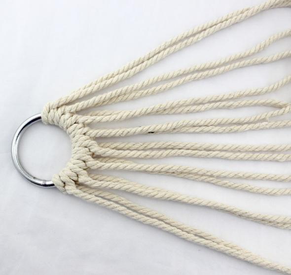 Металлическое кольцо с канатом