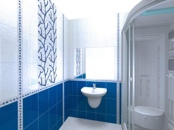 Ванная комната с белым и синим кафелем