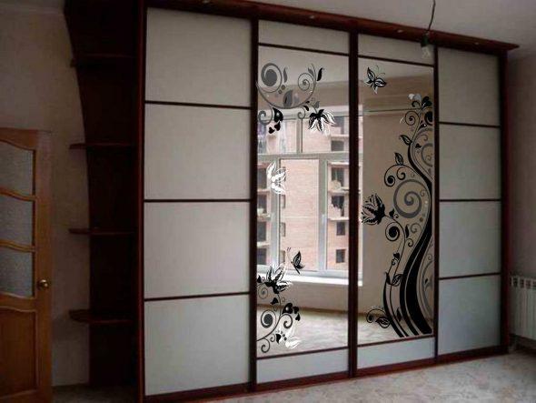 Как обновить двери шкафа купе