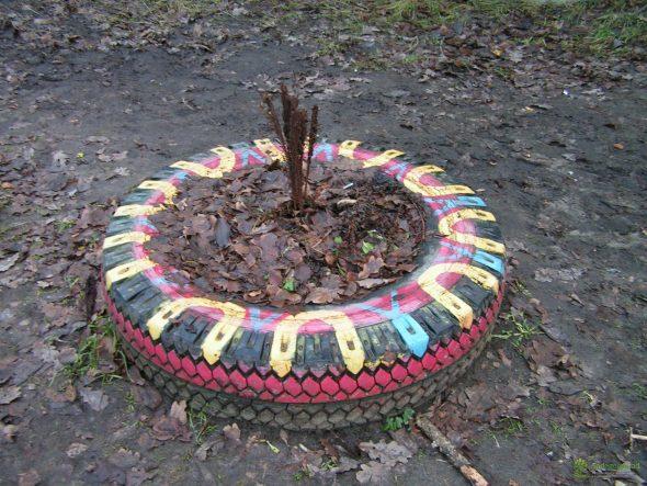 как раскрасить колеса для клумбы