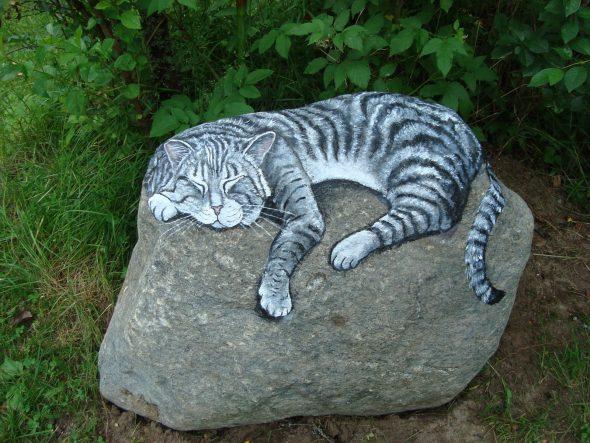 Рисунок на камне для сада