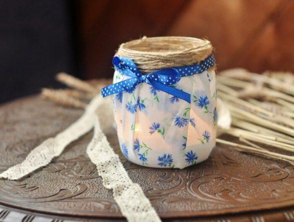Свеча в банке, декорированной тканью