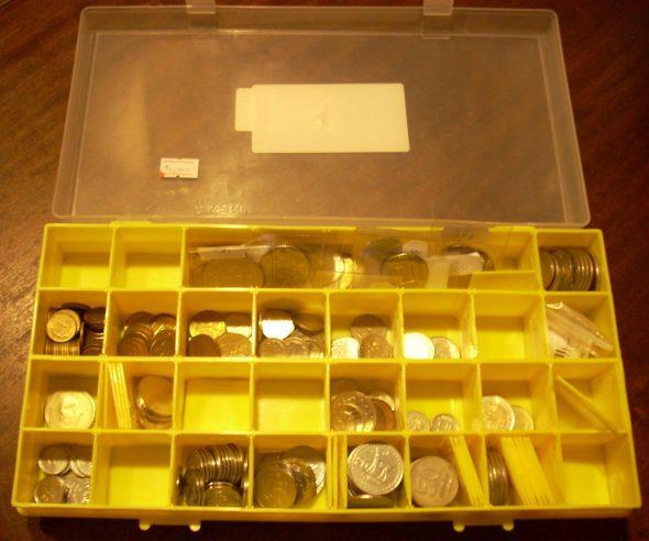 Монеты в коробке