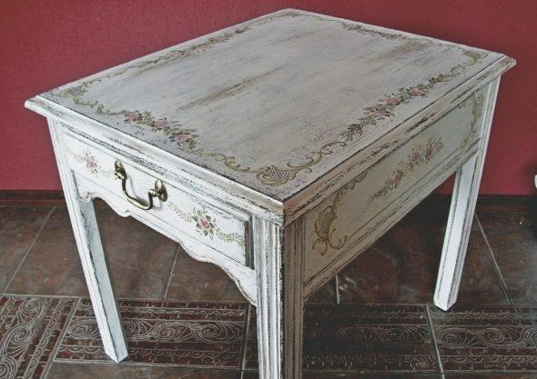 Декор деревянного стола в стиле прованс
