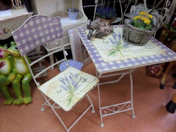 Декор стола и стула в стиле прованс